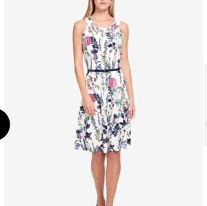 TOMMY HILFIGER white floral sleeveless aline dress
